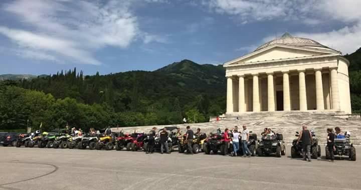 Passeggiata in quad tra storia e natura del Monte Grappa